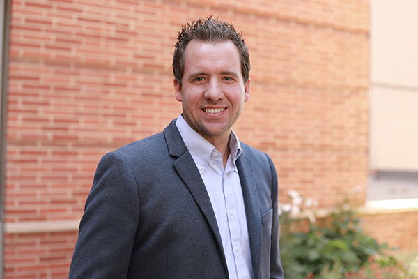 Mitchell Spearrin receives the 2019 Air Force Young Investigator Award